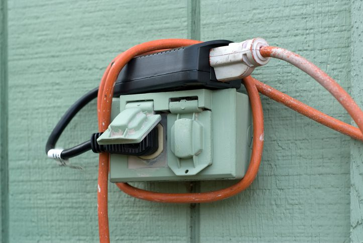 Polk Eelctric, Waterproof Exterior Power Outlet with Cords
